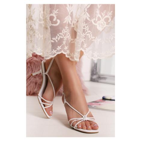 Biele sandále Vinnie Bestelle