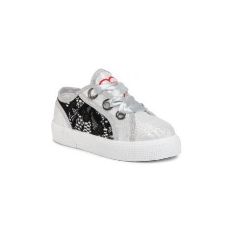 Guess Sneakersy Piuma Lace FI7PIL FAB12 Strieborná