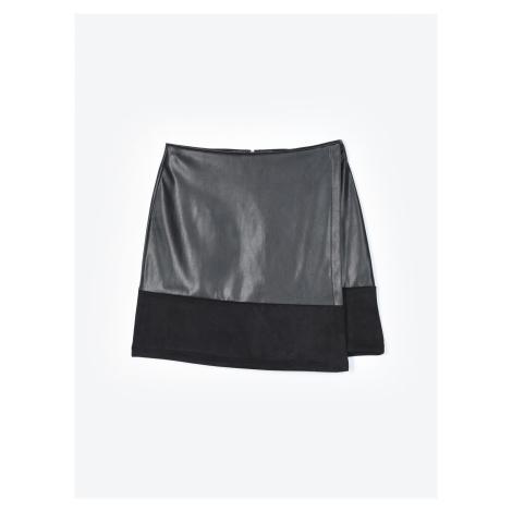 GATE Kombinovaná sukňa z imitácie kože