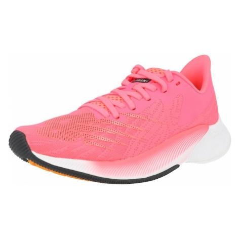 new balance Športová obuv 'FuelCell Prism'  ružová / pastelovo oranžová / čierna