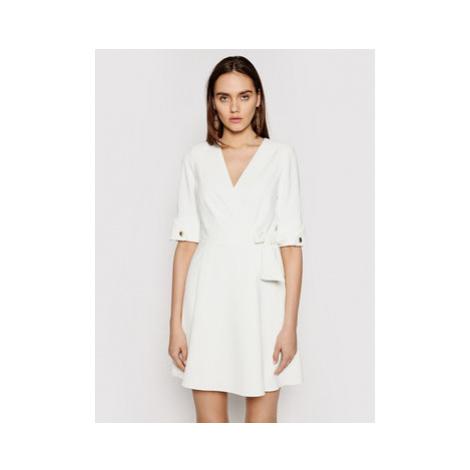 Marciano Guess Koktejlové šaty 1GG743 9529Z Biela Regular Fit