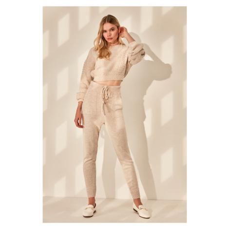 Dámska tepláková súprava Trendyol Knitwear