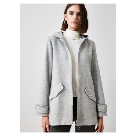 Svetlošedý dámsky kabát s kapucou Trendyol