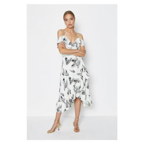 Zavinovacie šaty s odhalenými ramenami