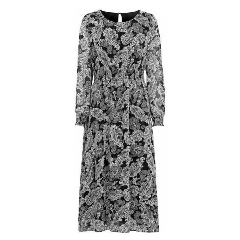 Dlhé vzorované šaty s riasením