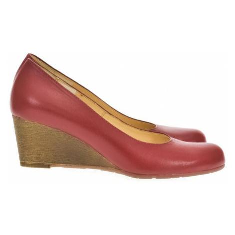 Červené topánky na klinovom opätku Acord IDENIS