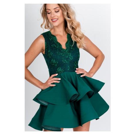 Zelené spoločenské šaty s volánovou sukňou