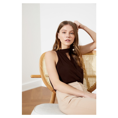 Trendyol Brown Collar Detailed Snap Knitted Body