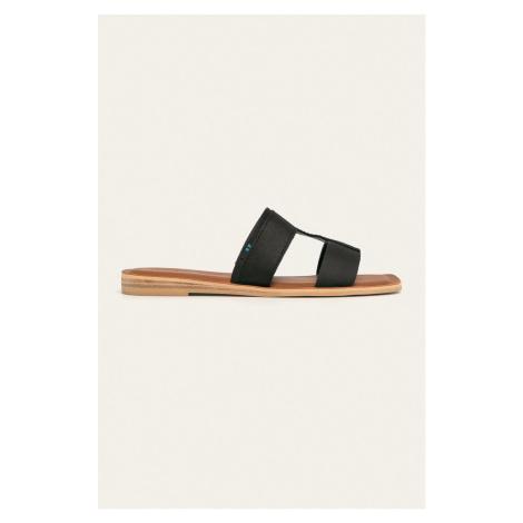 Toms - Kožené šľapky Seacliff
