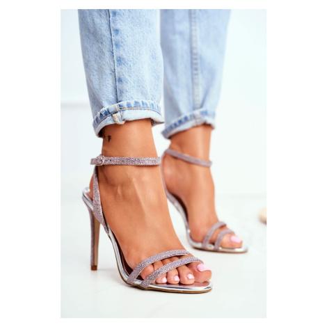 Dámske sandále v ružovej farbe s viazaním okolo členku