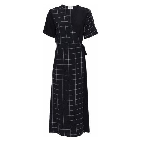 JUST FEMALE Šaty 'Halle'  čierna / biela