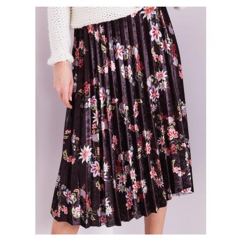 Black pleated pleated skirt