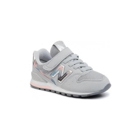 New Balance Sneakersy YV996GS Sivá