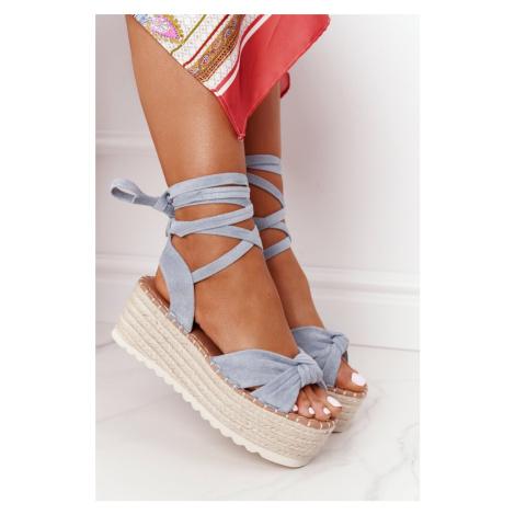 Modré sandále s viazaním okolo členku