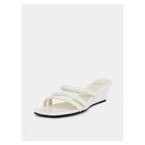 Vagabond Nellie's White Women's Leather Slippers