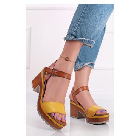 Žlto-hnedé sandále na hrubom podpätku 72707 Refresh