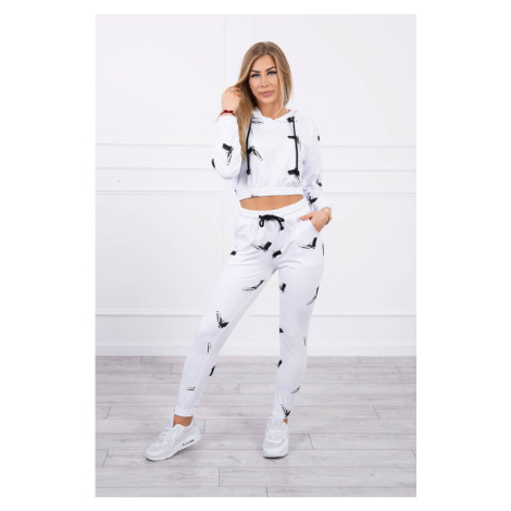 Set with printed pistols white