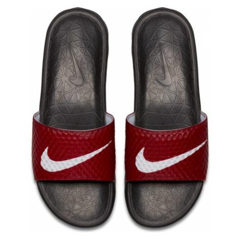 Pánské Šlapky Nike Benassi Solarsoft Soccer Sandals Red - Veľkosť EU:41-Veľkosť US:8-Veľkosť UK: