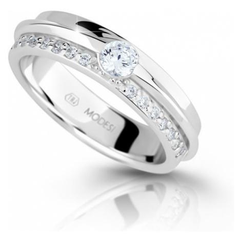 Modesi Trblietavý strieborný prsteň so zirkónmi M16020 mm