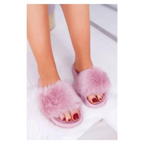 Dámske pohodlné šľapky v ružovej farbe s huňatou kožušinou