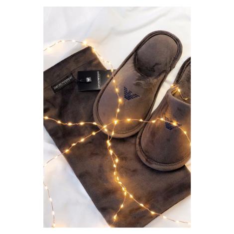 Emporio Armani Underwear Emporio Armani Pánske semišové Papuče vo vrecúšku - hnedé