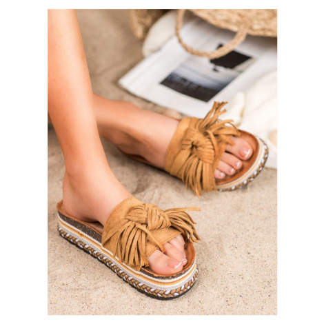 SEASTAR FLAPS WITH FRINGES shades of brown and beige