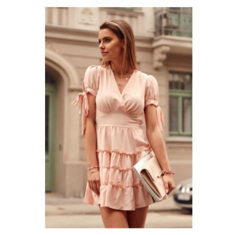 Nadčasové šaty s výstrihom a s krátkymi zviazanými rukávmi, ružové FASARDI