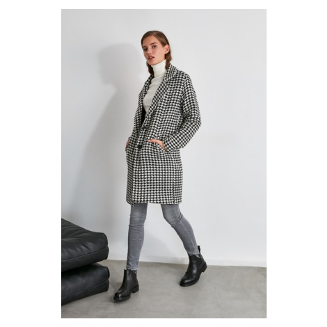 Women's coat Trendyol Patterned