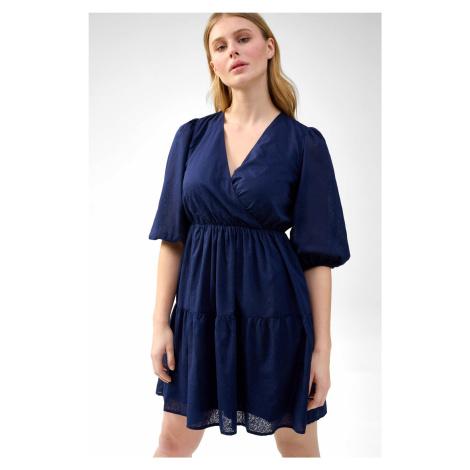 Šaty so závinom Orsay