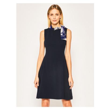Koktejlové šaty DKNY