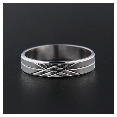 Strieborný prsteň 13836