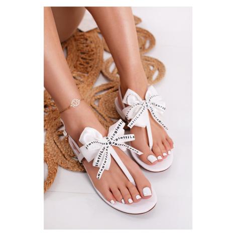 Biele nízke sandále Amelia Laura Biagiotti