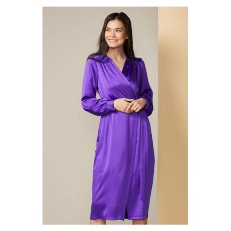 Zavinovacie šaty vo fialkovej farbe Closet