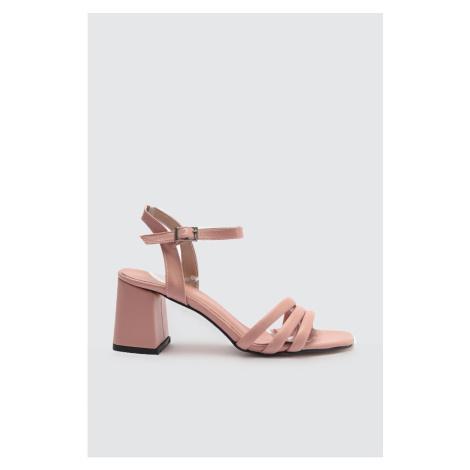 Dámske sandále Trendyol Classic