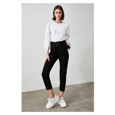 Trendyol High Waist Mom Jeans WITH Black BeltEd Seam DetailING