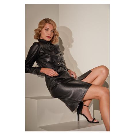 Answear.LAB limitovaná kolekcia - Kožené šaty