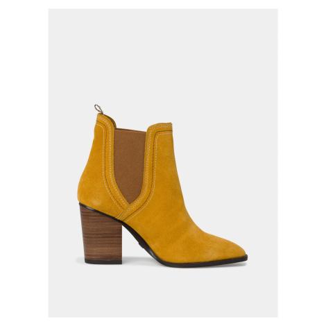 Horčicové semišové členkové topánky Tamaris