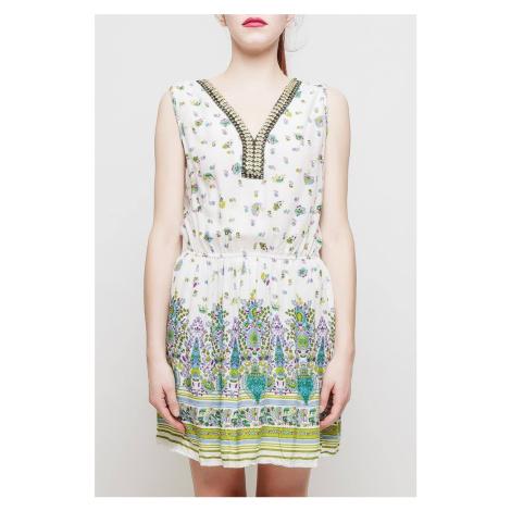Krátke biele vzorované šaty bez rukávov