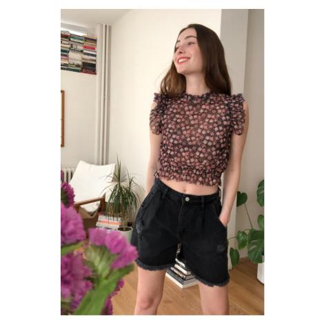 Trendyol Black Ripped Detailed Denim Shorts Black