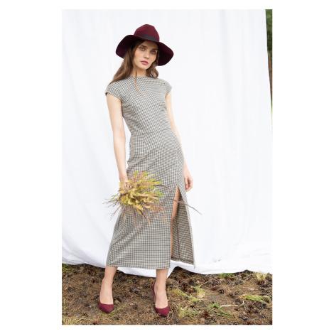 Hnedé kárované midi šaty K071