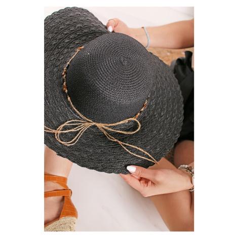 Čierny klobúk Camilla
