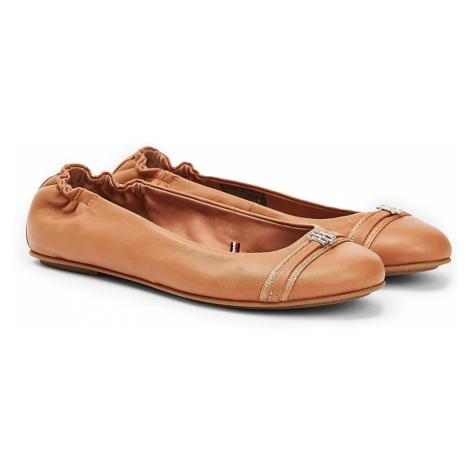 Tommy Hilfiger karamelové balerínky Block Branding Ballerina Copper Canyon