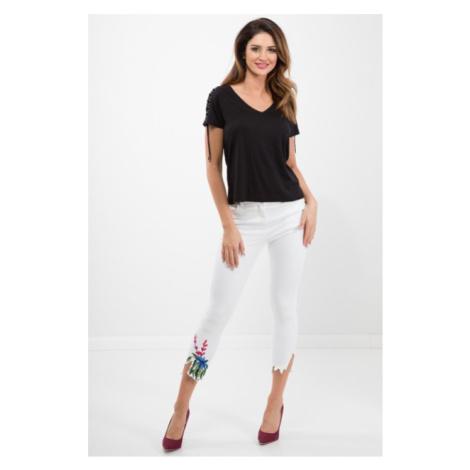 Biele, bavlnené nohavice v trendy štýle FASARDI