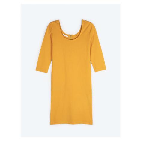 GATE Jednofarebné obtiahnuté šaty