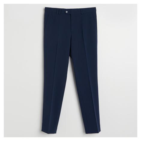 Reserved - Slim chino nohavice so zažehlenými pukmi - Modrá
