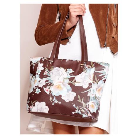 Hnedá kabelka s kvetinovým vzorom