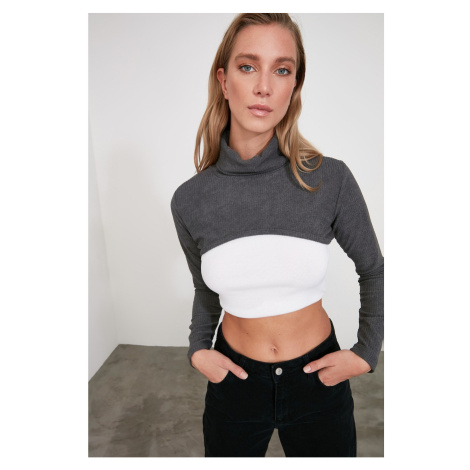 Trendyol Anthracite Throat Crop Knitted Blouse