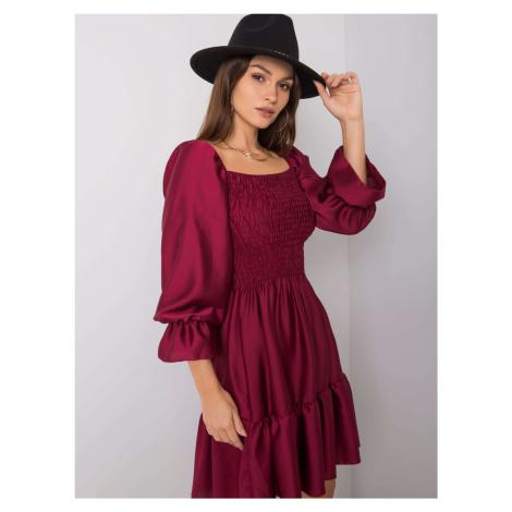 Bordové saténové šaty s trojštvrťovým rukávom