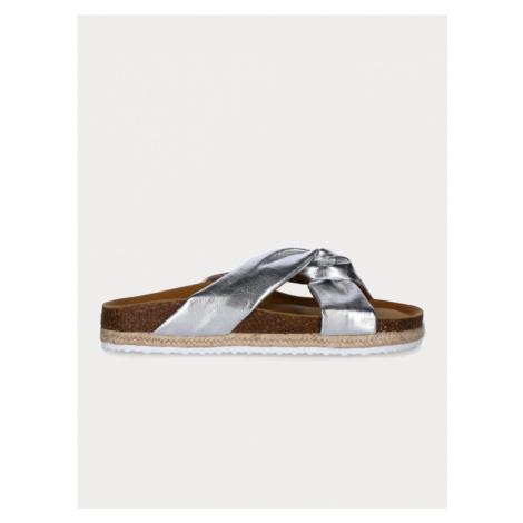 Pantofle Paez Strieborná