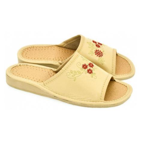 Dámske béžové papuče ITA John-C